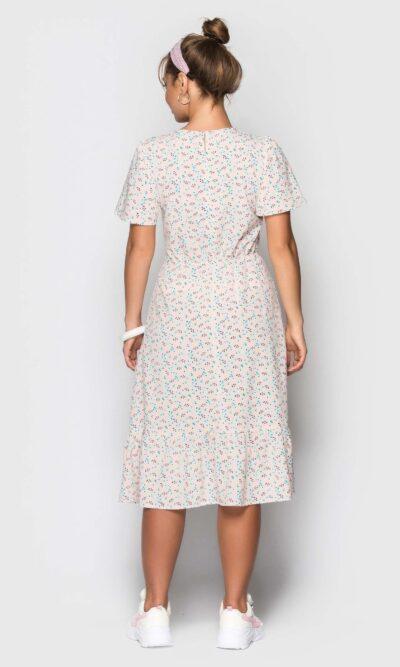 Нежное платье с воланом