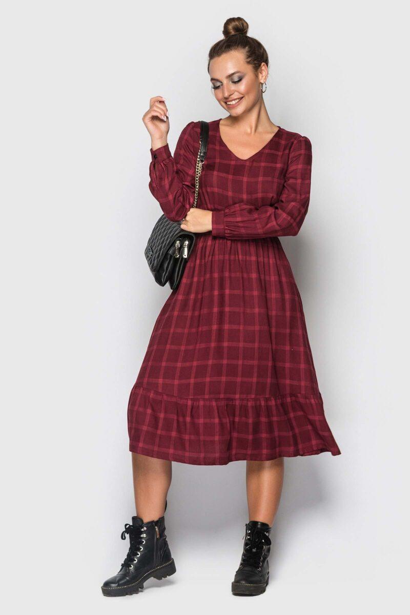 Стильное бордовое платье