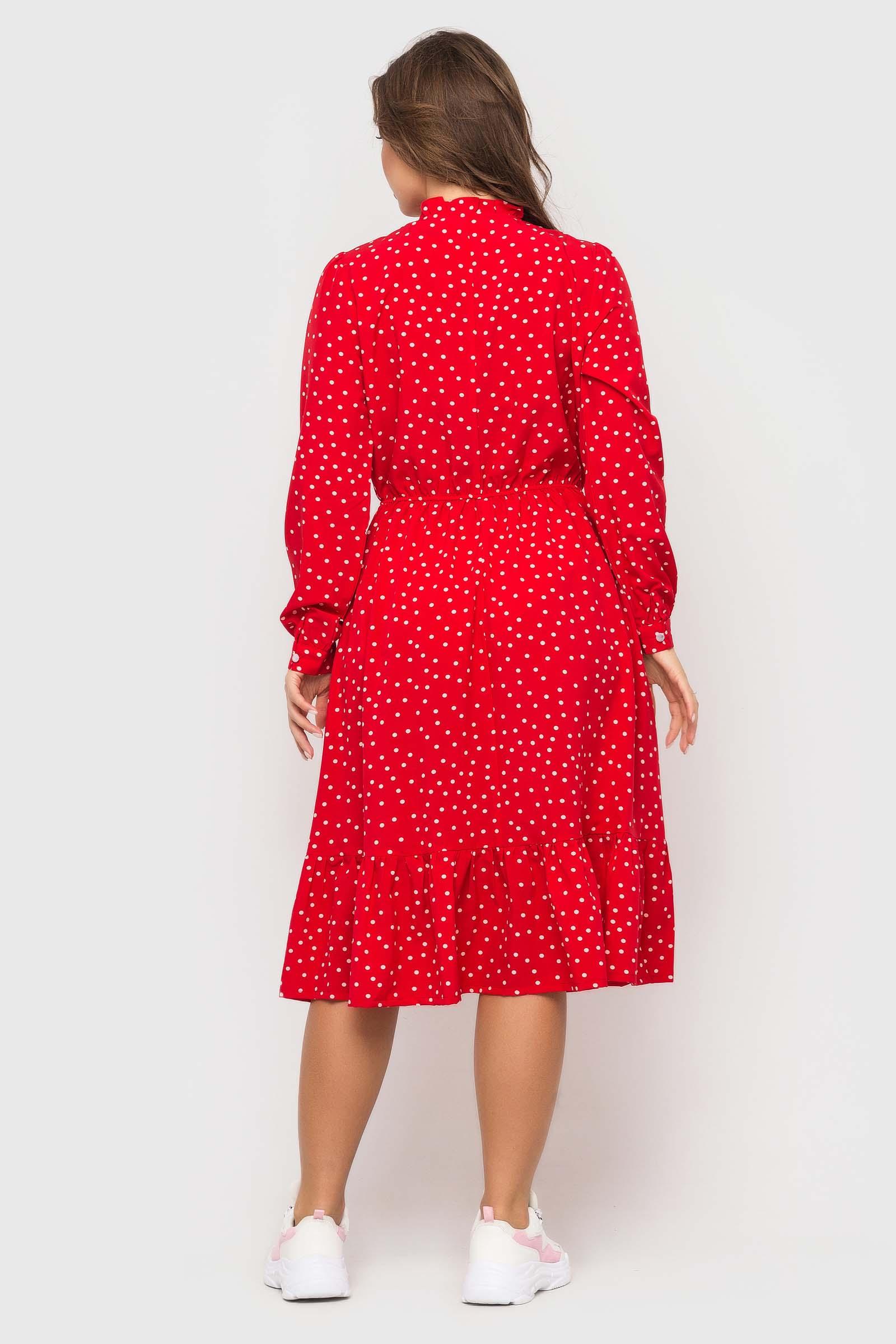 Стильное красное платье в горошек