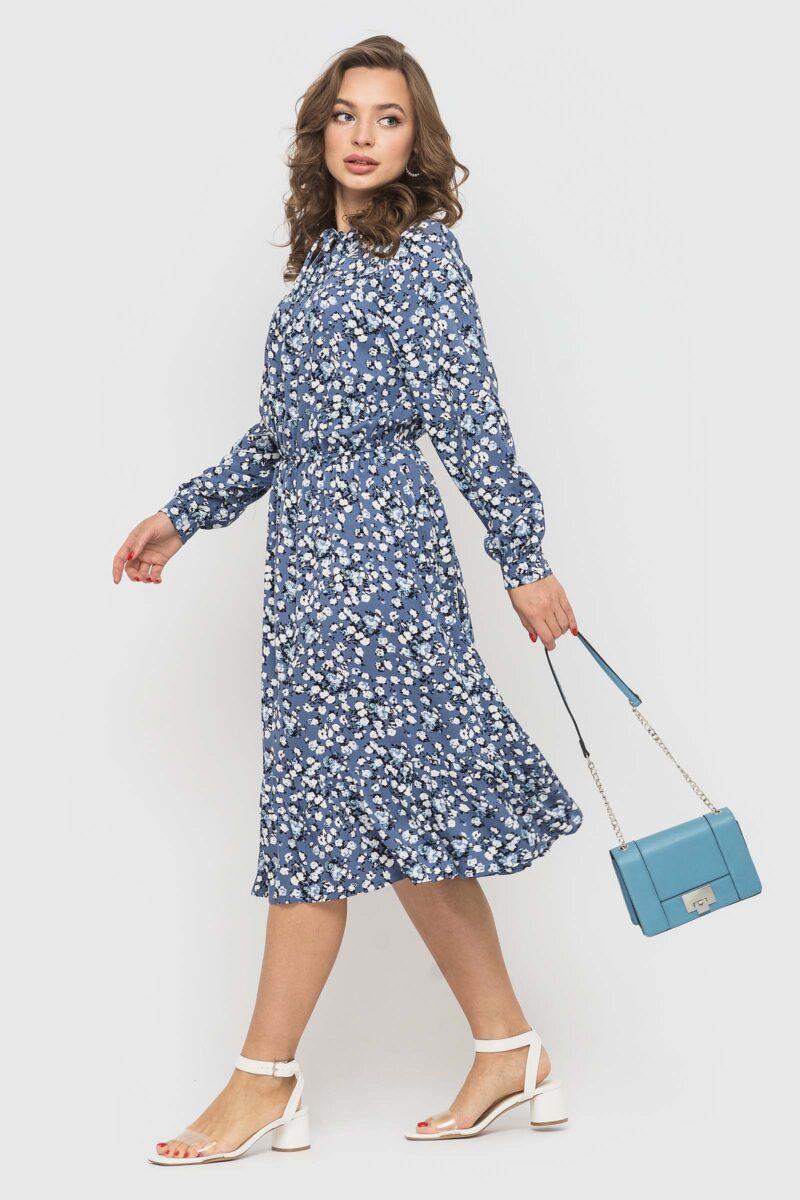 Нежное платье с цветочным принтом