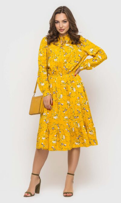 Яркое желтое платье из натуральной ткани