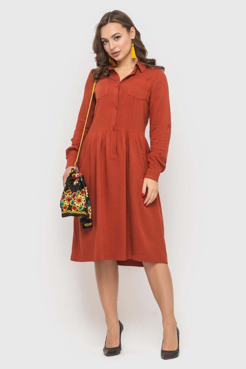 Платье из натуральной ткани цвета охры