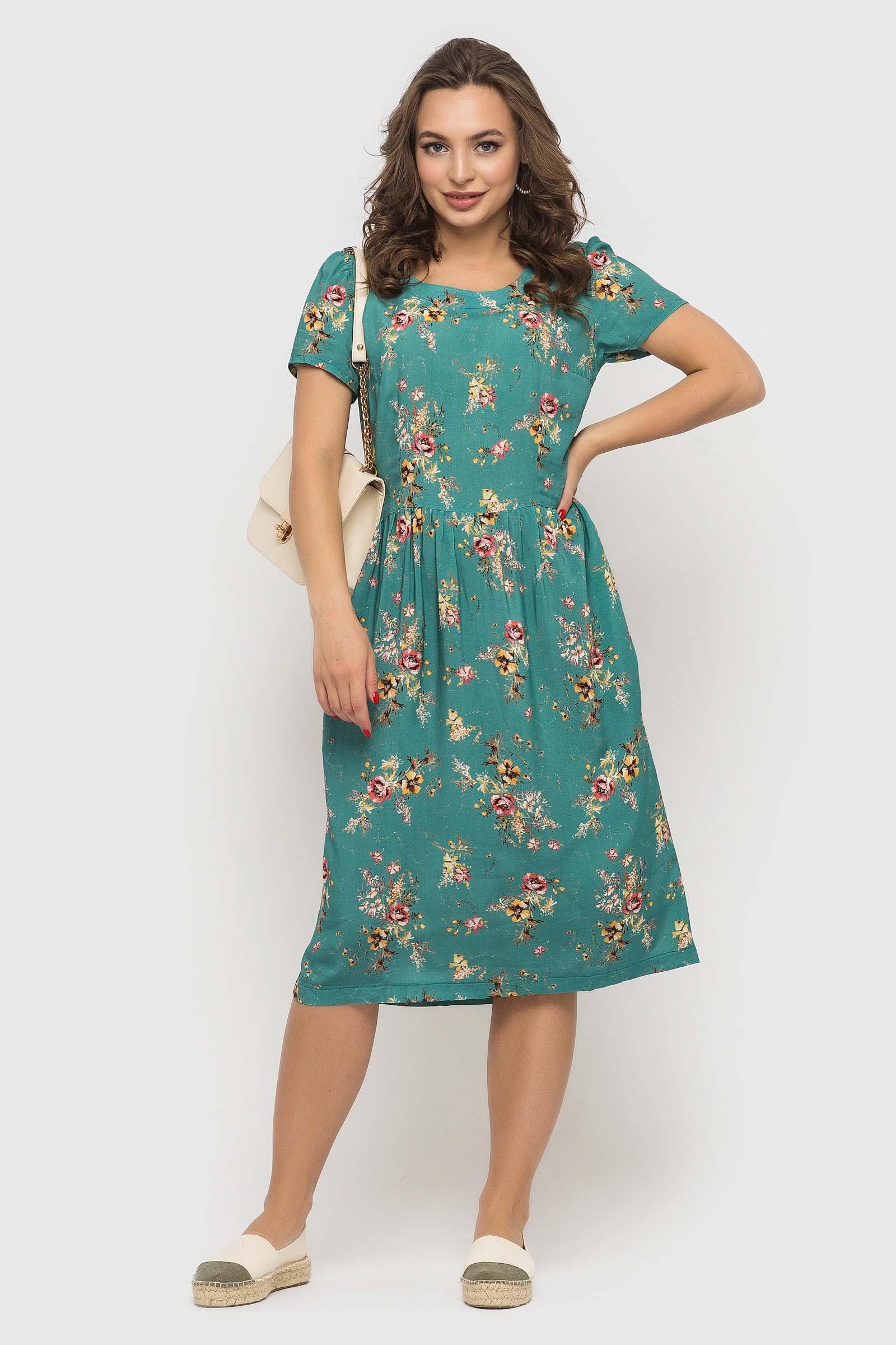 Легкое летнее платье с цветочном принтом