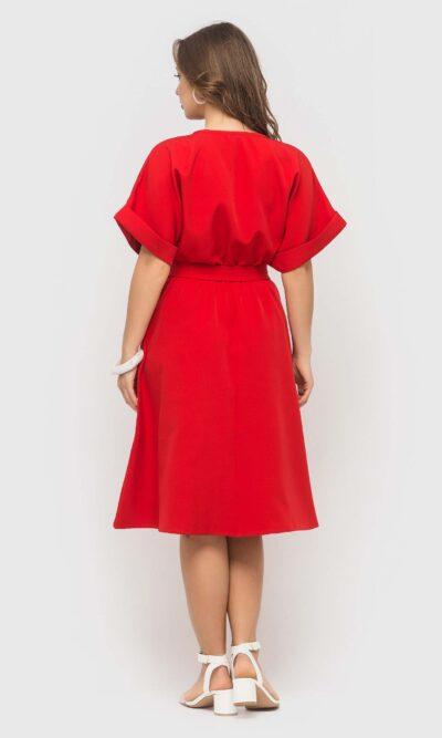 Красивое красное платье длинной миди