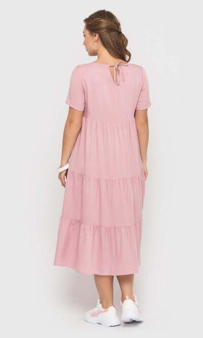 Стильное пудровое платье длинной миди