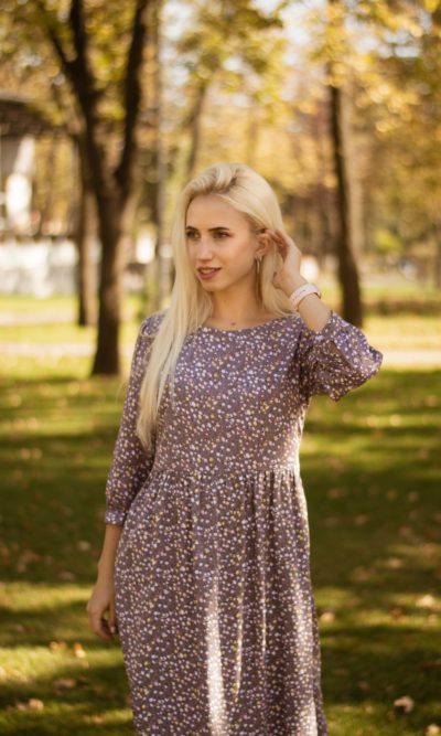 Натуральное платье в нежной расцветке