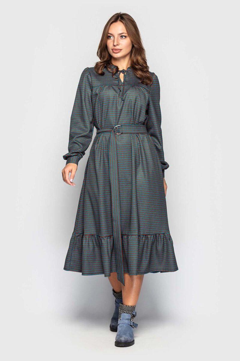 Стильное платье в клетку длинной миди