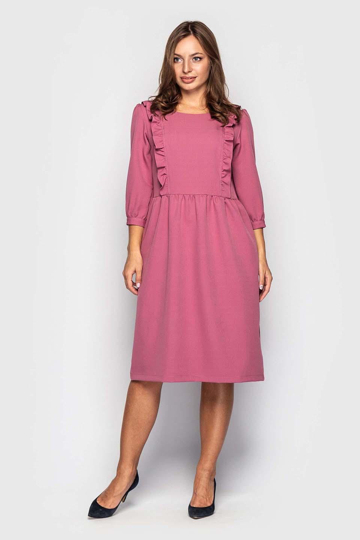 Платье с рюшами в розовом цвете