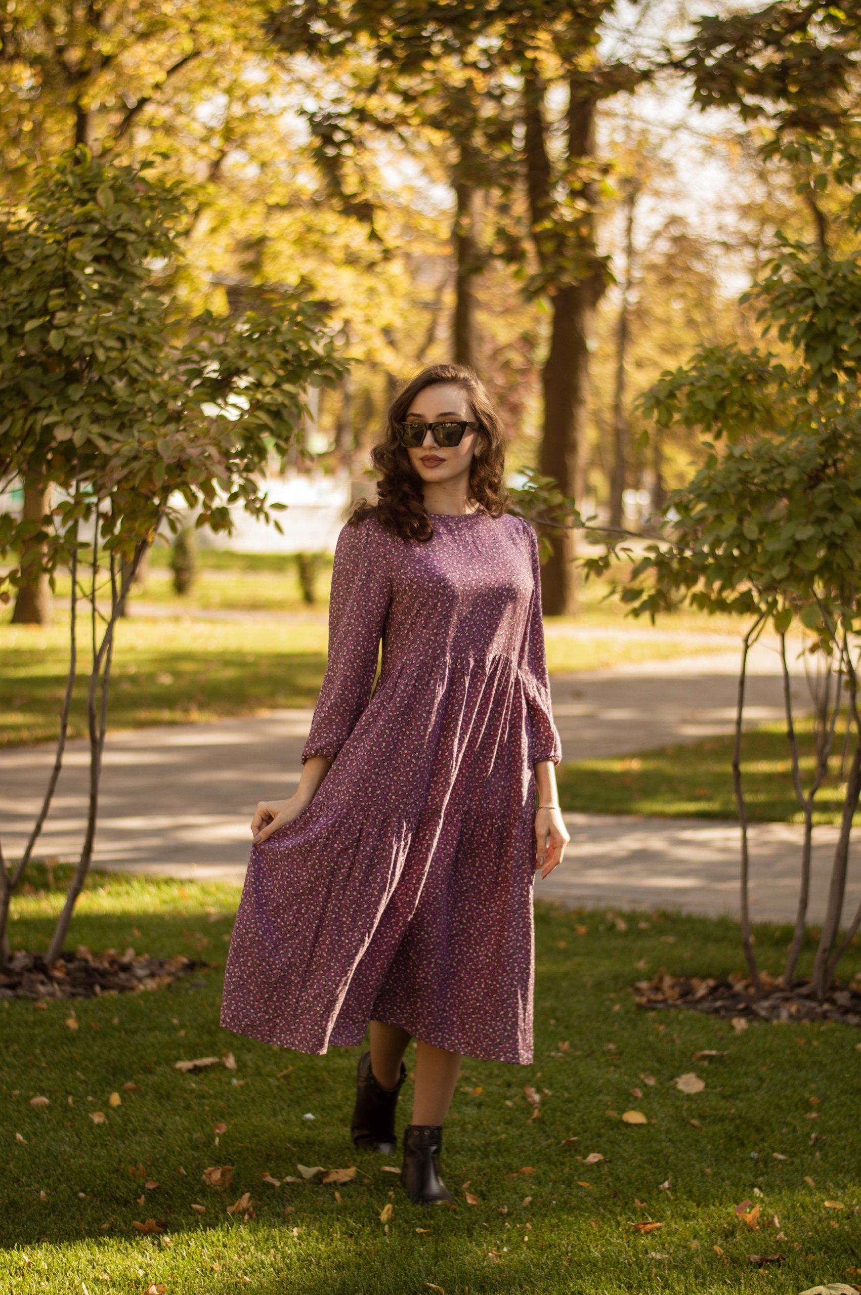 Сиреневое платье в стиле бохо