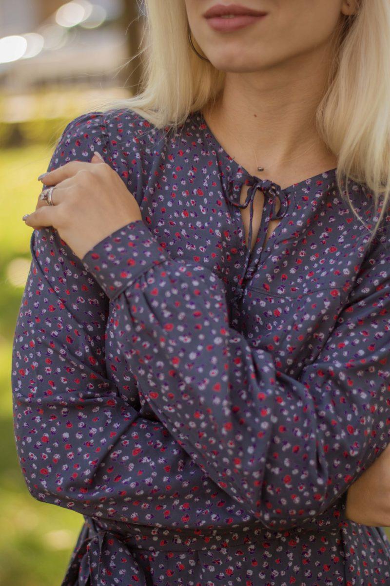 Штапельное платье в мелкий цветочек