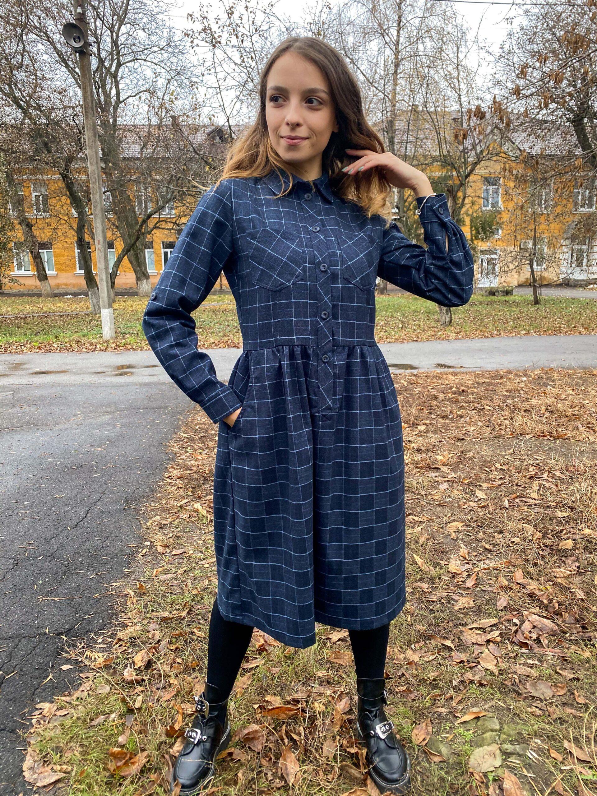 Платье-рубашка в клетку из полушерсти