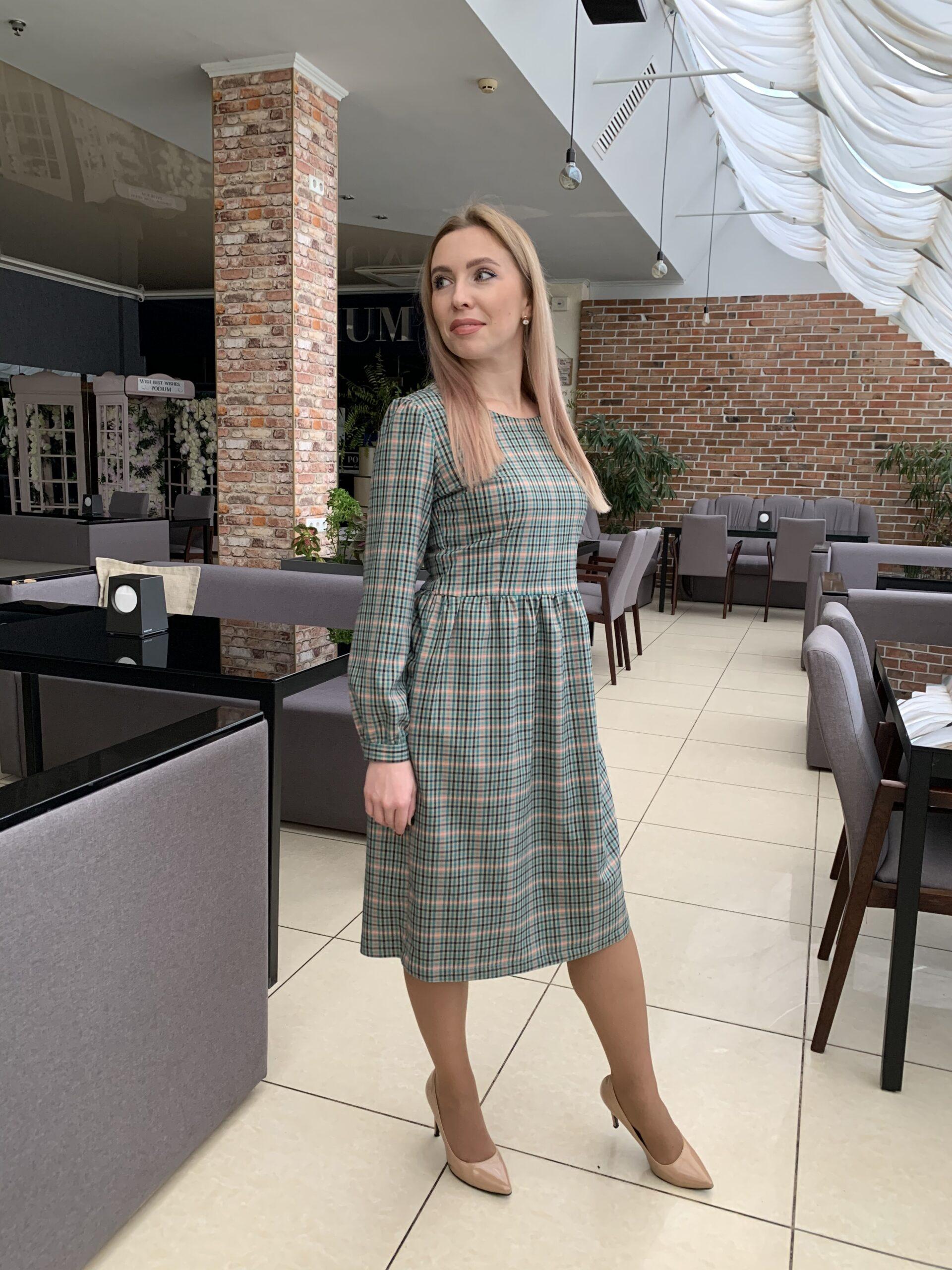 Платье в клетку из полушерсти