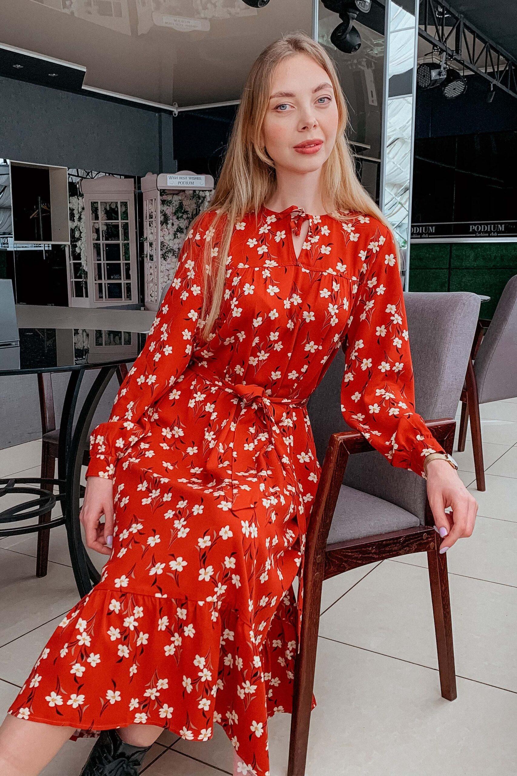 Штапельное платье цвета охра