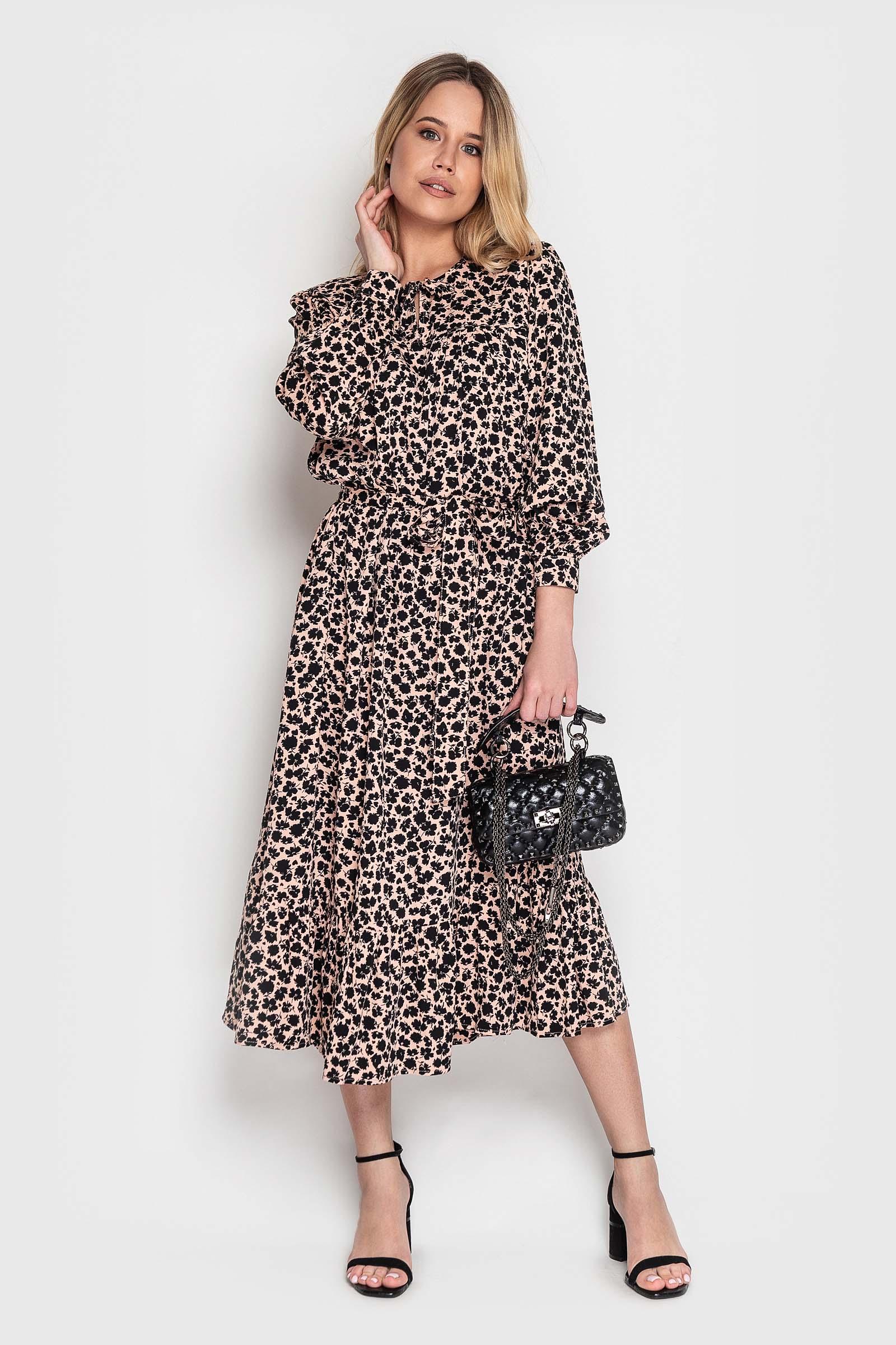 Пудровое платье из штапеля с рюшей